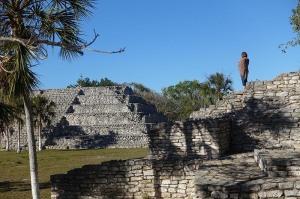 Pyramid climbing at Xcambo